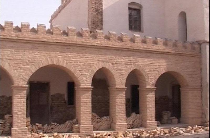 ساخت وساز غیرمجاز در حریم یک اثر تاریخی در زابل تخریب می گردد