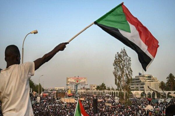 یورش نظامیان سودانی به معترضان در مناطق مسکونی شهر ام درمان